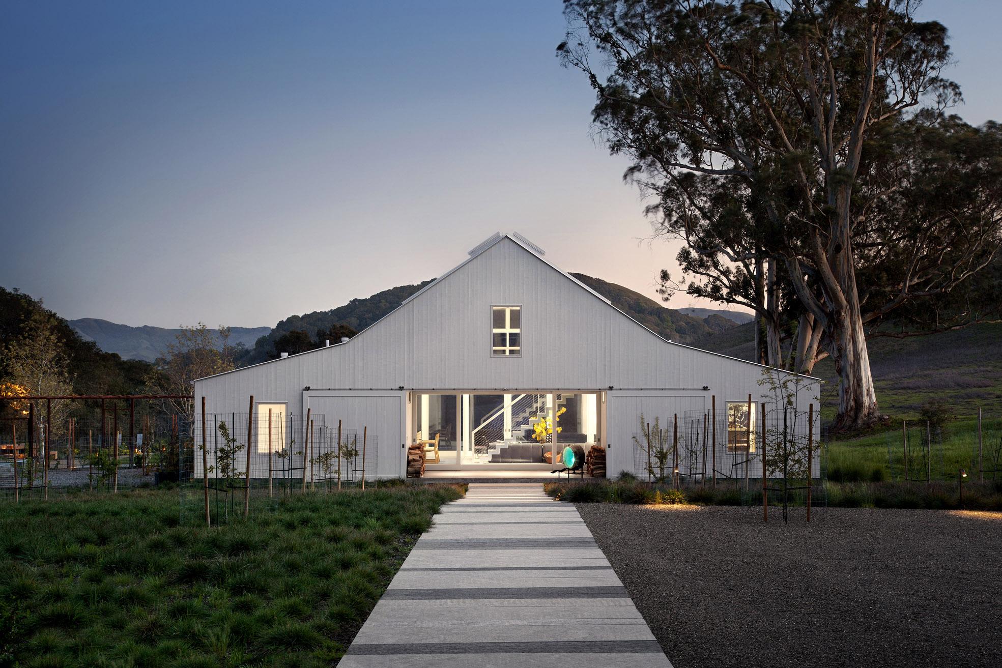 Huponome Ranch exterior