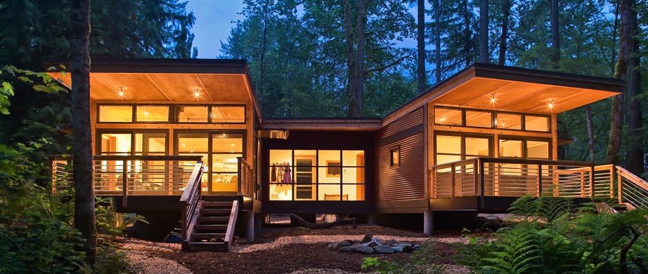 The M2 combines two M (for medium) modules designed by Balance Associates for Method Homes.