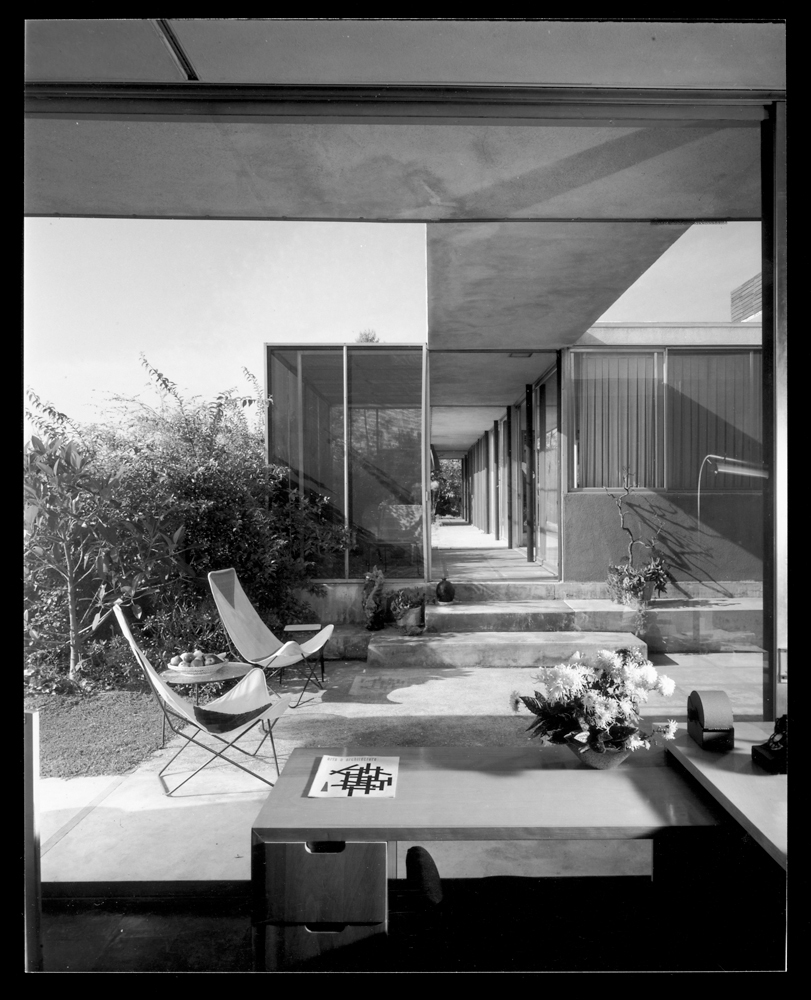 Built between 1947 and 1950, the Shulman house was the result of a collaboration between the photographer and architect Raphael Soriano, and served as Shulman's home for more than half his life. Perched on a hill in Laurel Canyon on Woodrow Wilson Drive,