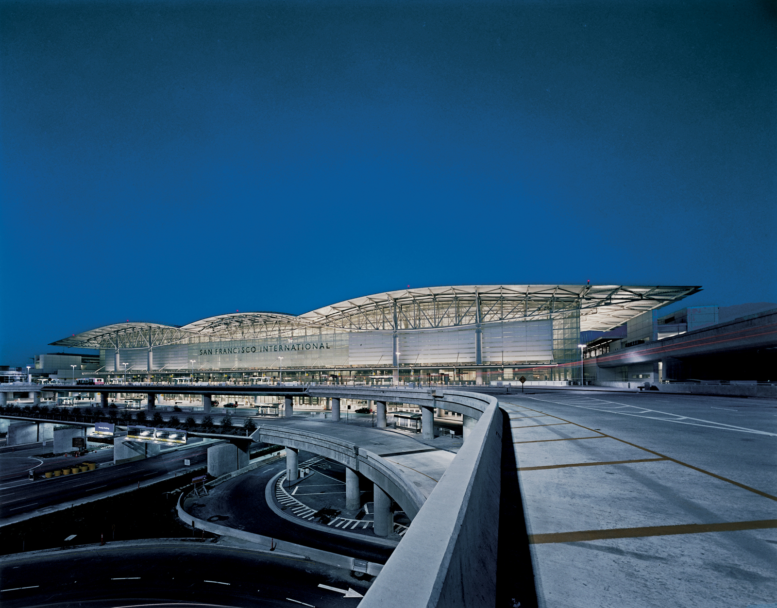 San Francisco International, exterior