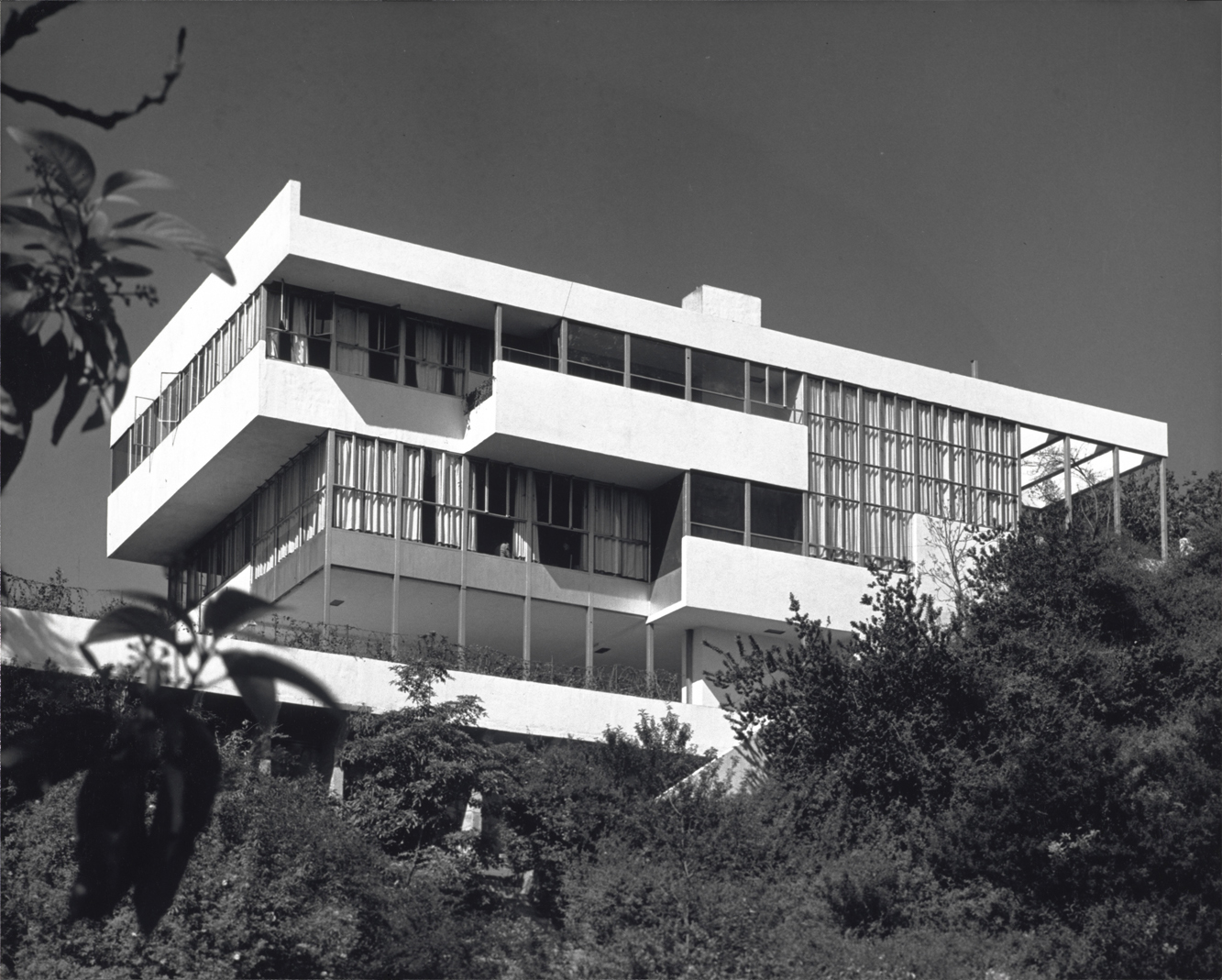 Completed in 1929, Neutra's Lovell Health house was the first steel-frame residence in the U.S., and was built using prefab elements (the home's framing went up in two days). Shulman shot the home, which Neutra included in the 1932 Museum of Modern Art Mo
