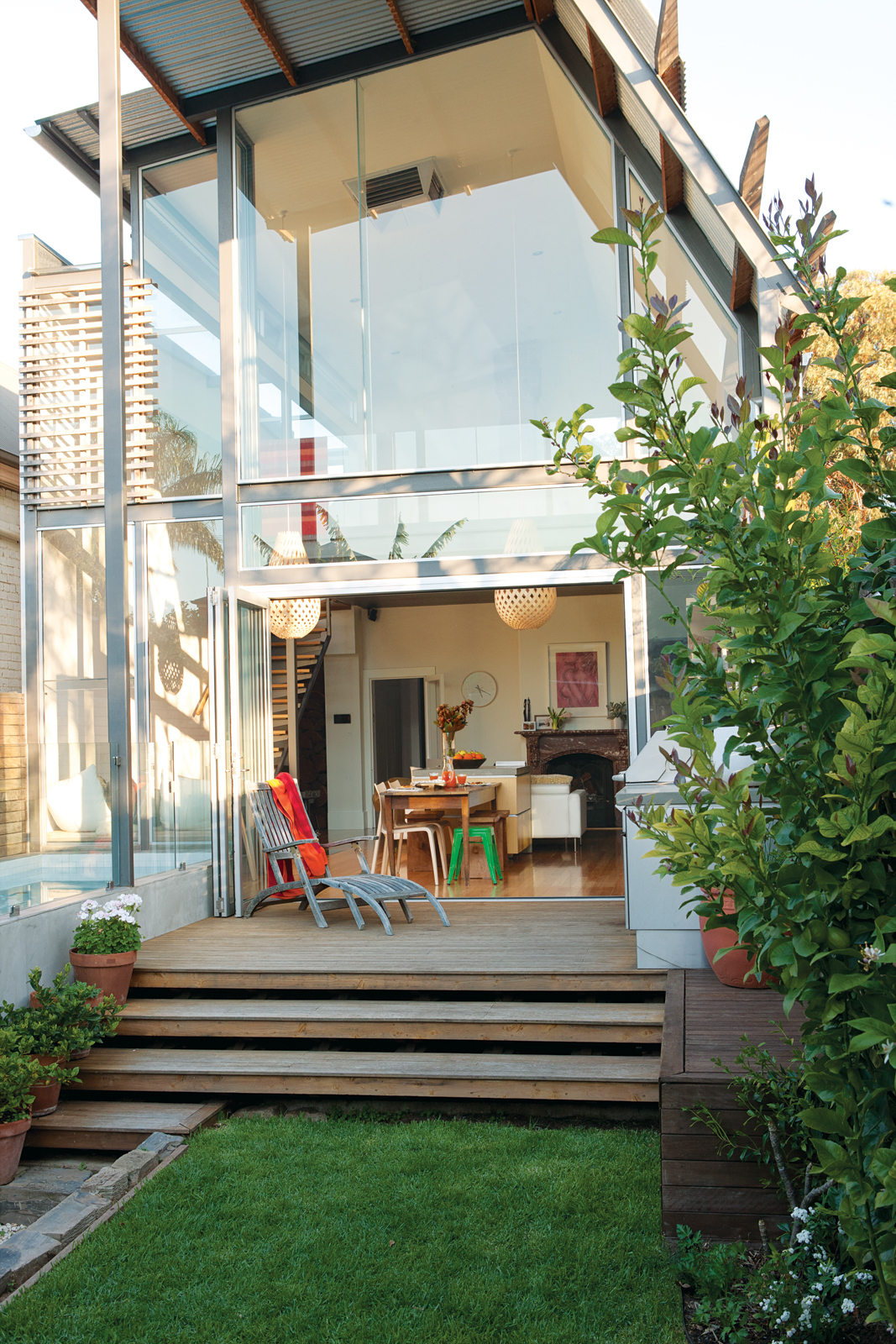 Backyard facade with Viridian ComfortPlus glass windows