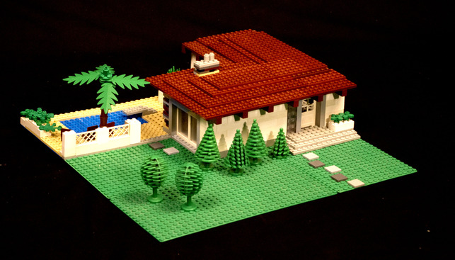 Villa Subburbe Lego House by Andrew Black