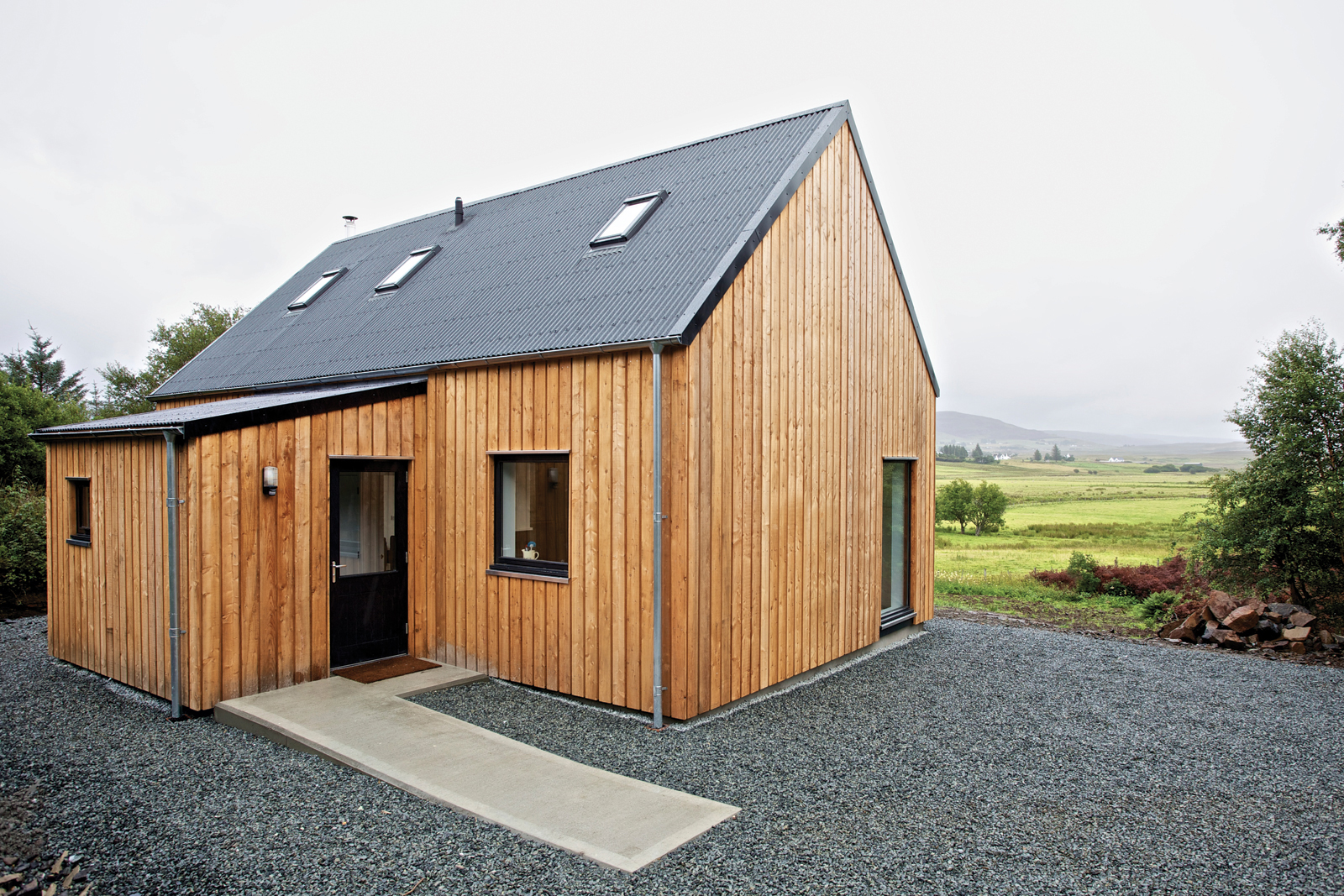 R.House in Isle of Skye, Scotland designed by Rural Design