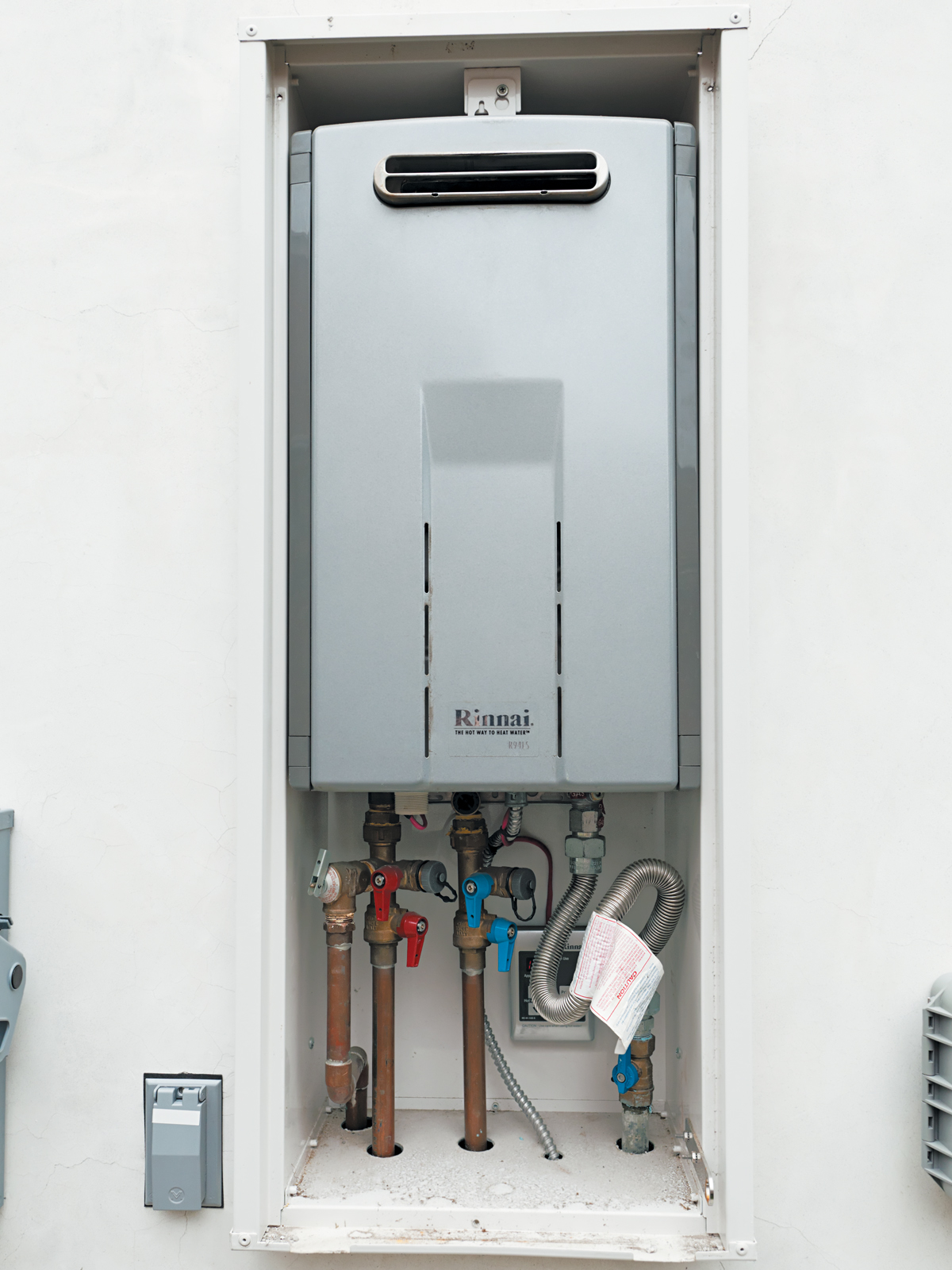Rinnai tankless water heater and metlund D'MAND recirculating pump