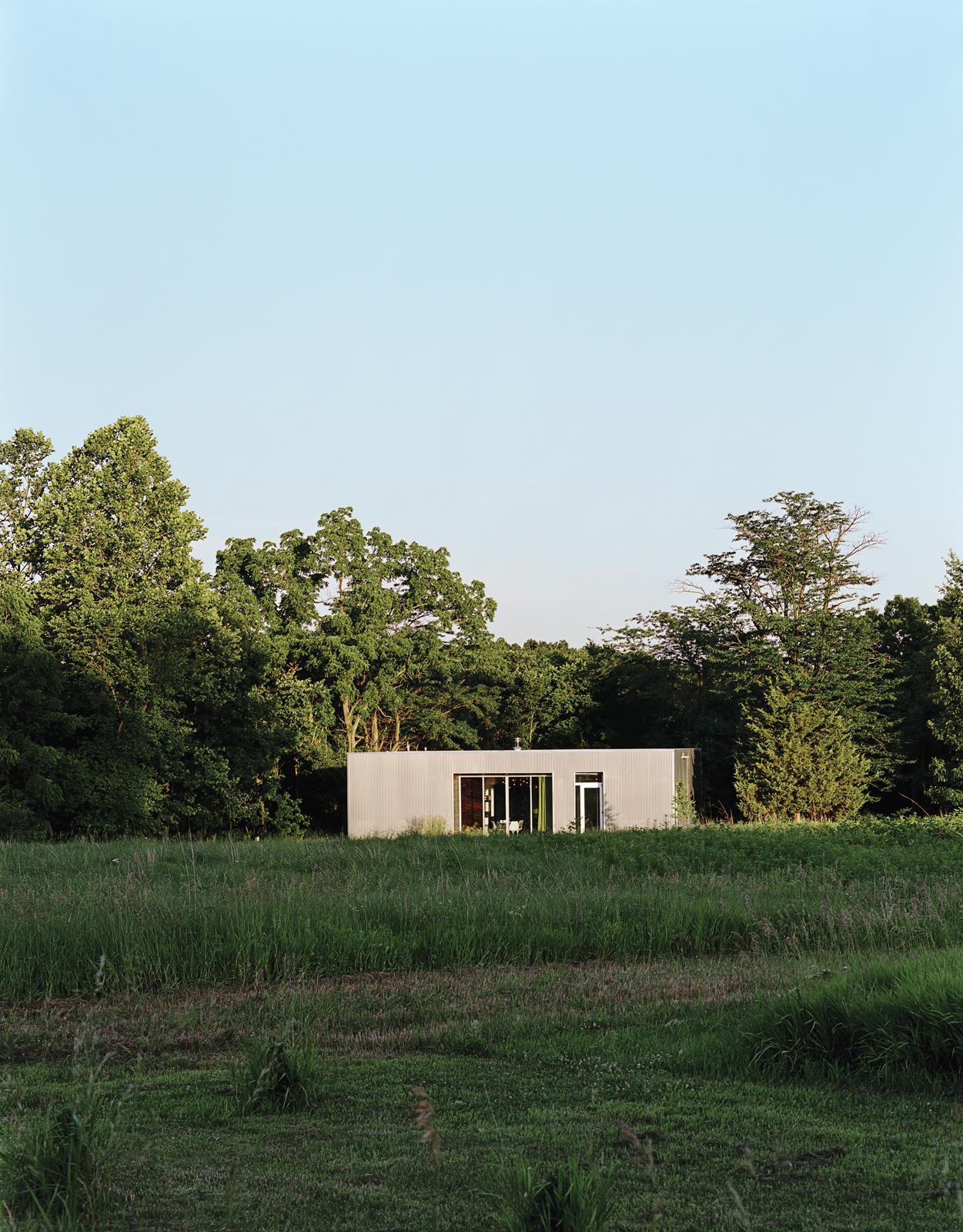 x house exterior 0