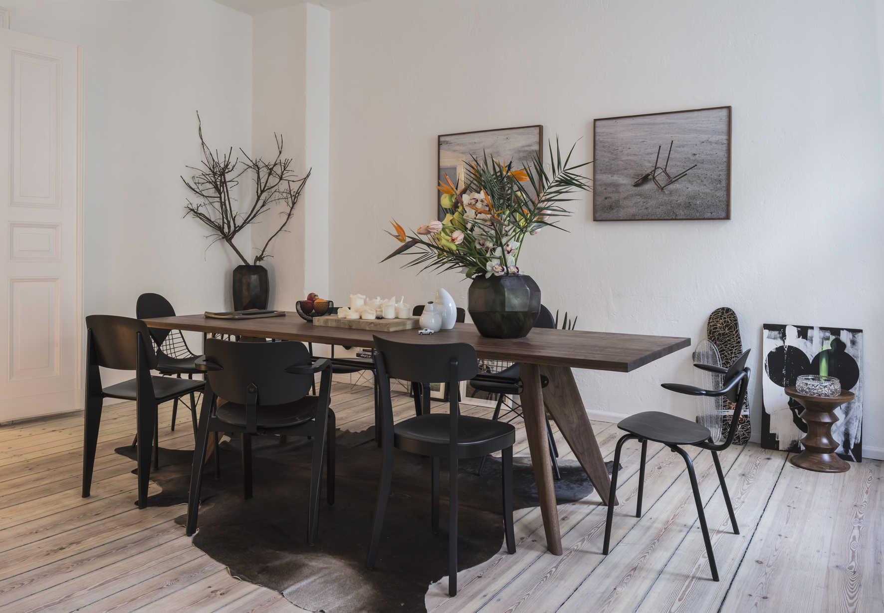 Salon of the Freunde von Freunden X Vitra Apartment<