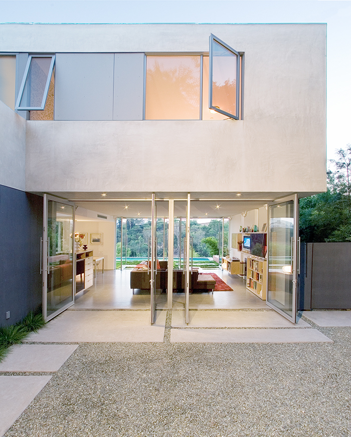 Dwell on Design home tours includes modern architecture by architect Michael Ferguson in the Mount Washington neighborhood of Los Angeles