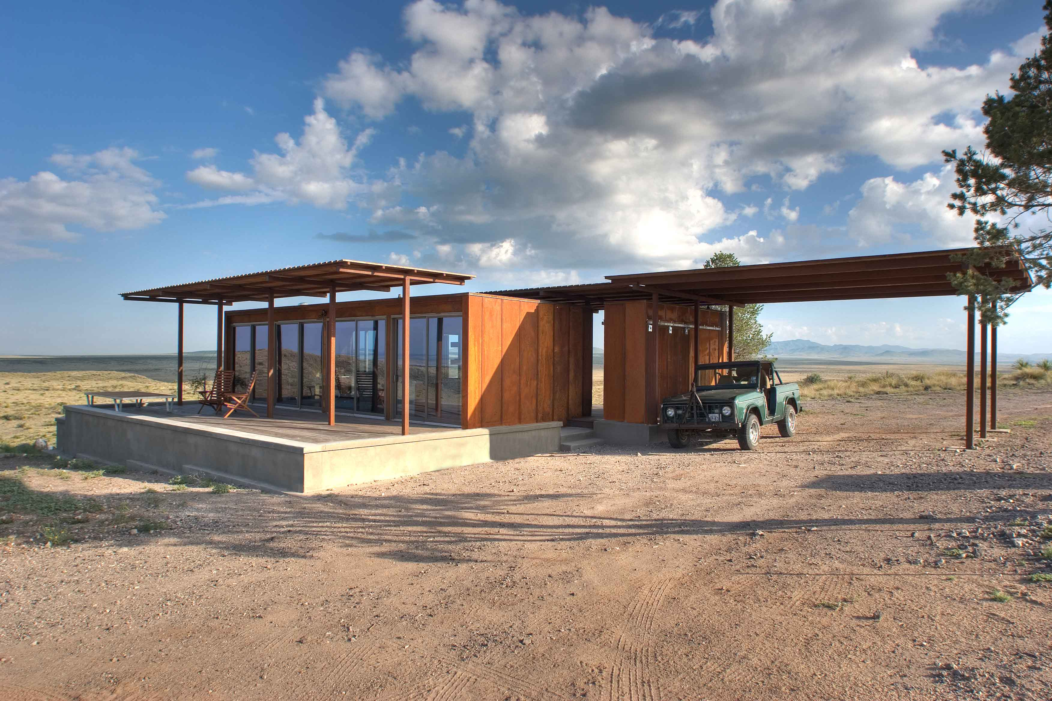 Marfa weeHouse Full Exterior