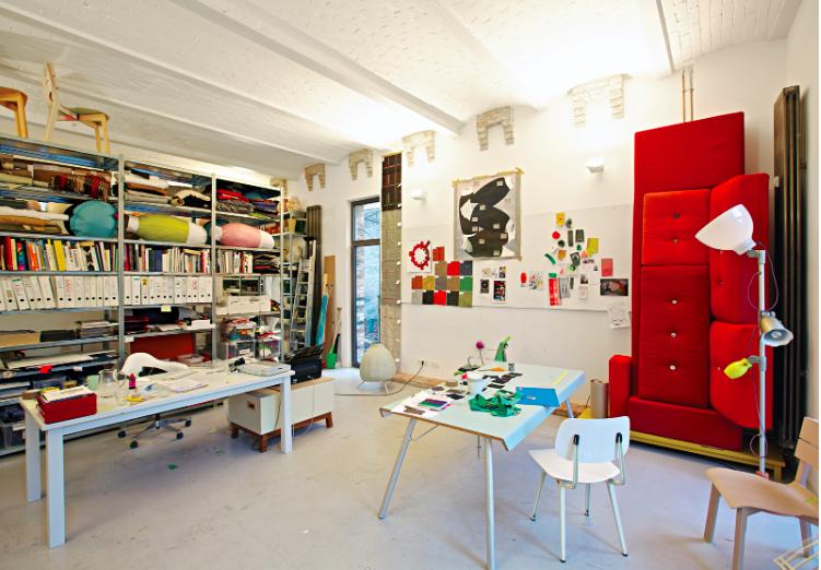 Hell Jongerius's studio.