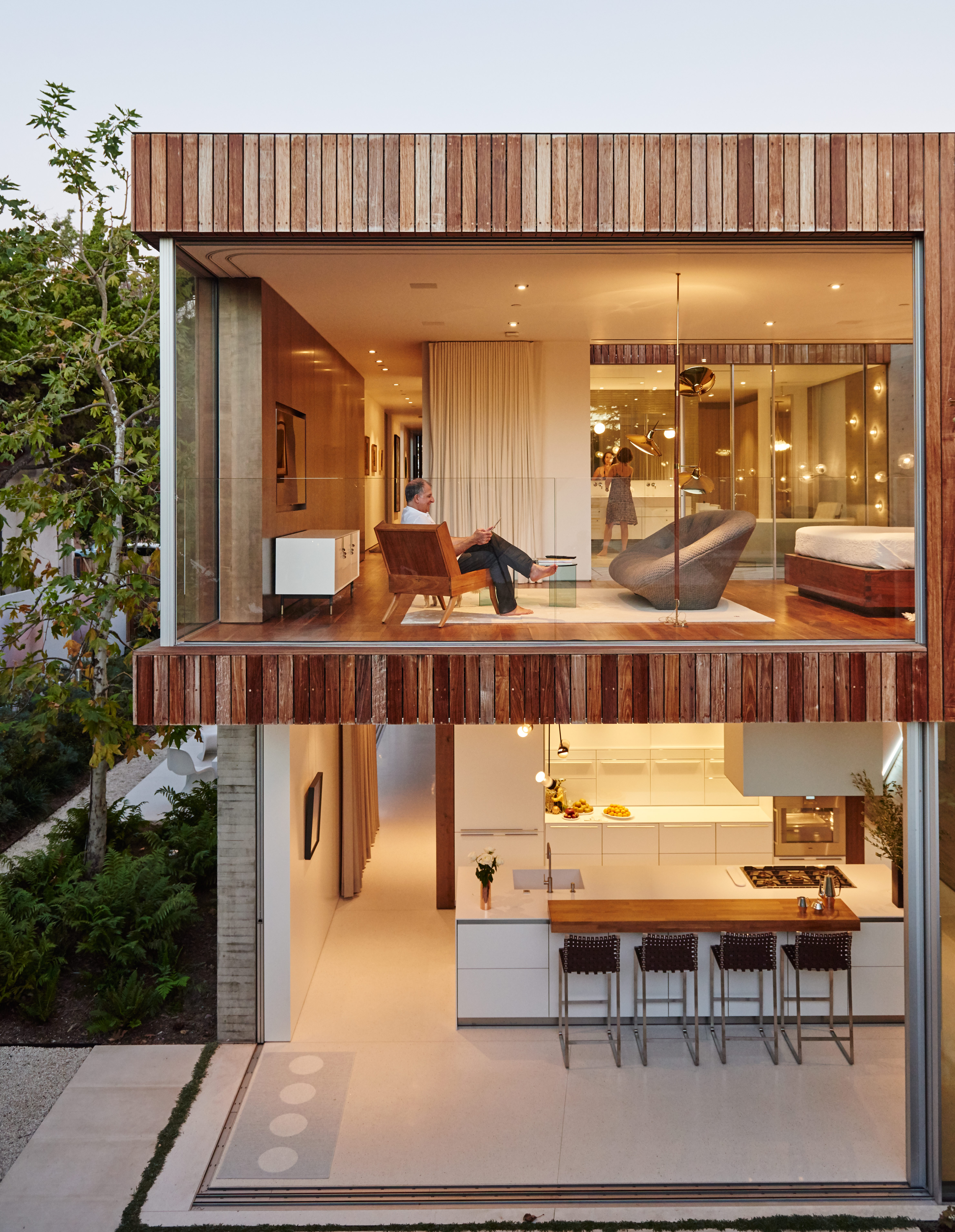 Santa Monica home with retractable wall system from Vitrocsa