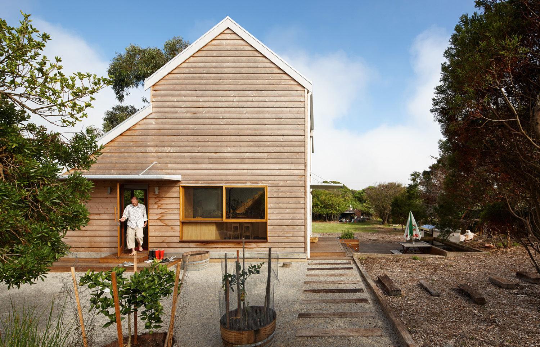 Cedar cladding on Australian home.