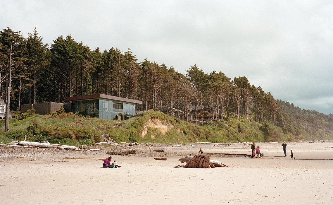 Cannon Beach home with glass facade on the beach