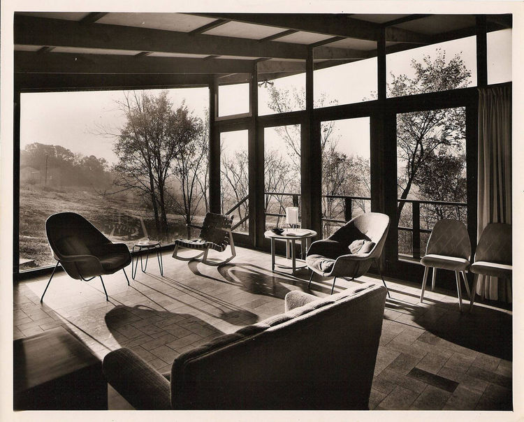 Architect Robert Elkington's residence with Saarinen chairs in St. Louis