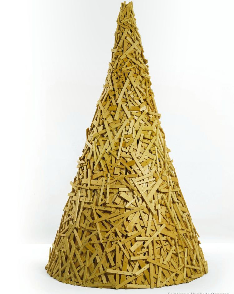 Favela Tree (2004) by Fernando and Humberto Campana, estimated at $10,000–$15,000, up for bid on Paddle8 as part of Murray Moss' auction