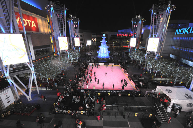 "Project: LA Live<p></p>Location: Los Angeles, California<p></p>Developer: AEG<p></p>2010 ULI Award for Excellence: The Americas nomination:""The $2.5 billion LA Live is a 5-million-square-foot entertainment district in downtown Los Angeles, creating a 24-"