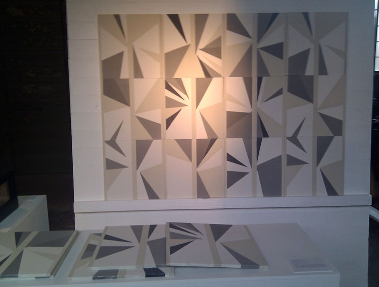 "For the Lebanese <a href=""http://www.carwangallery.com/exhibitions.php"">Carwan Gallery</a>, New York-based <a href=""http://www.lindseyadelman.com/"">Lindsey Adams Adelman</a> worked with craftsman Blatt Chaya to create the exquisite geometric pattern of th"