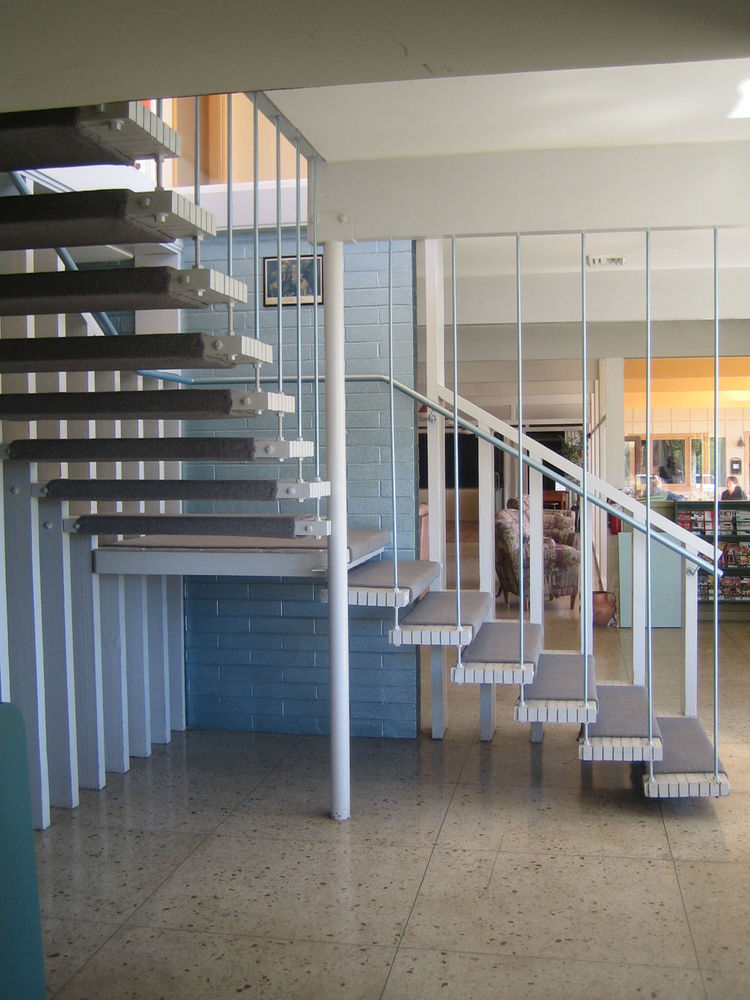 Here are the set of stairs you see when you enter the hotel. Hard to imagine a better set of mid-century bones. Unfortunately the architect is not known.