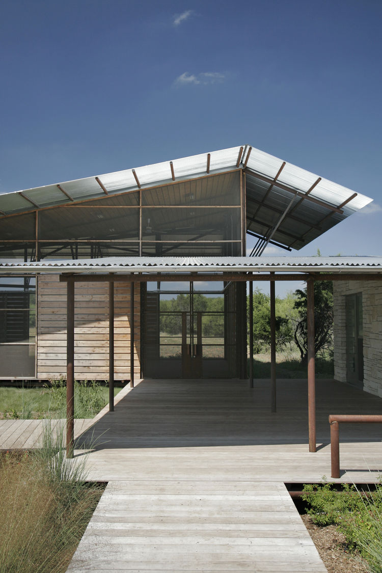 "One of the two finalists of the Architecture Design Award was Texas-based firm <a href=""http://www.lakeflato.com/"">Lake