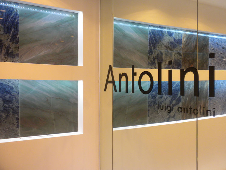 "Among the many quartz and acrylic surface manufacturers at KBIS, <a href=""http://antoliniusa.com/"">Antolini Luigi</a> stood out visually with its solid granite surfaces. The company showed new stone cuts and incredible colors in polished and matte finishe"
