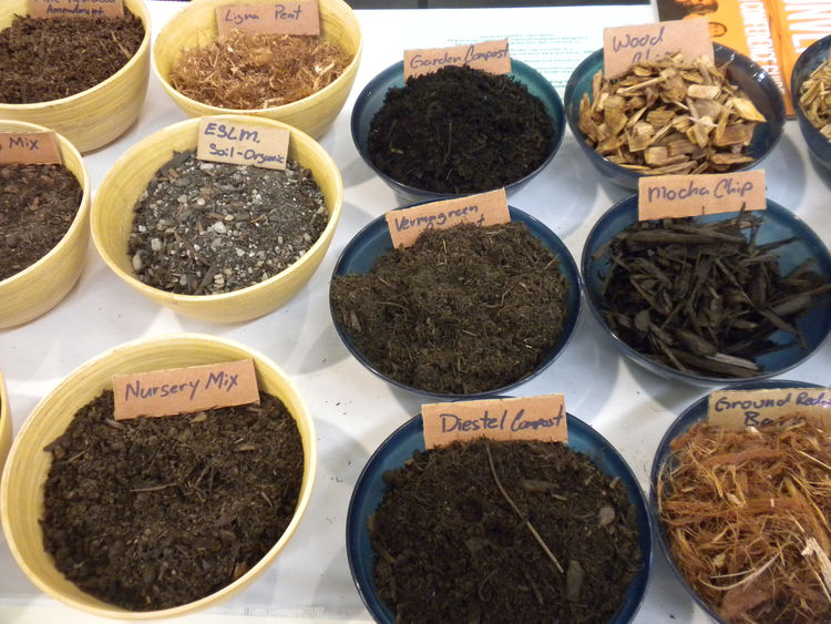 "Also among the mix of booths was <a href=""http://www.lyngsogarden.com/"">Lyngsø Garden Materials</a>, based in Redwood City, California. In addition to mulches, soils, and rocks, the company also showed off its Diestel Structured Compost, an organic mix th"