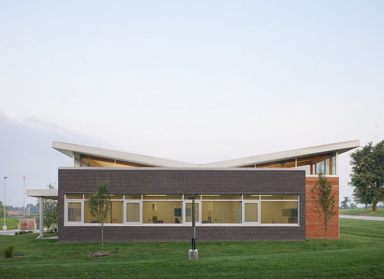 R.B. Murray and Co's office in Springfield, Missouri, is defined by its butterfly roof and a large brick box.