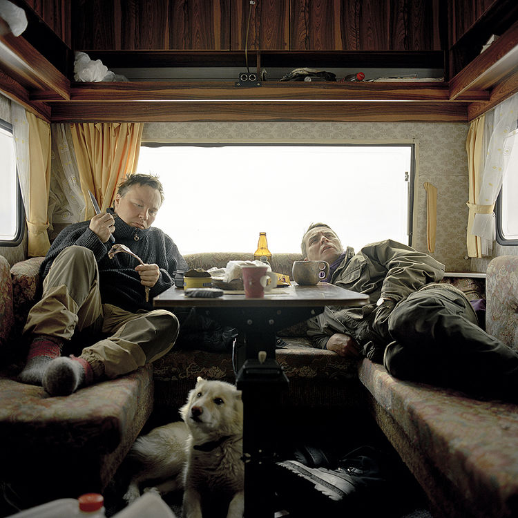 Relaxing in the trailer, Máze, 2005