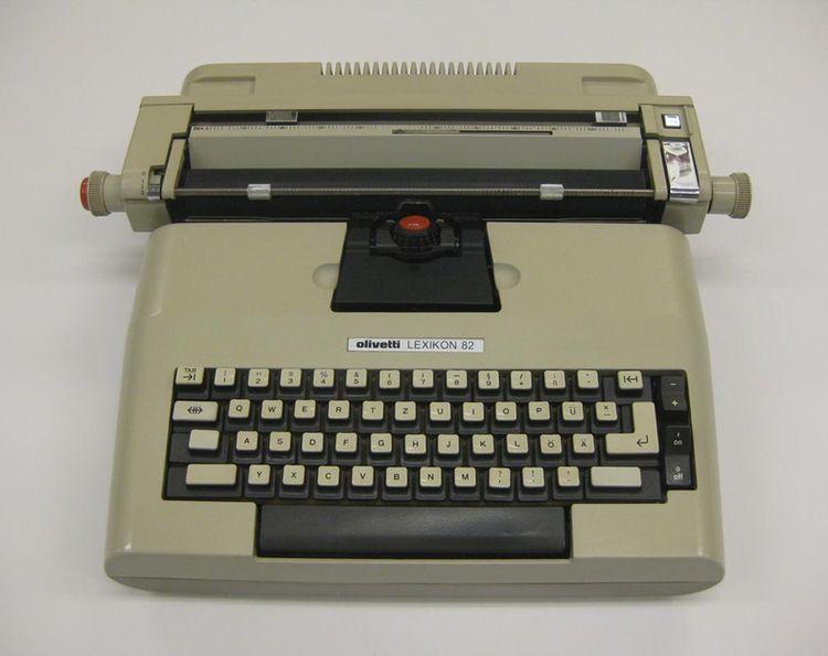 Lexikon 82 typewriter designed in 1975 by Mario Bellini, A. Macchi Cassia, G. Pasini, and S. Pasqui for Olivetti.