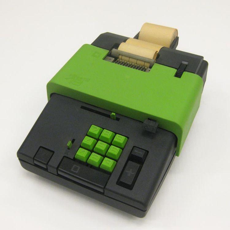 Summa 19 calculator designed in 1970 by Ettore Sottsass for Olivetti.