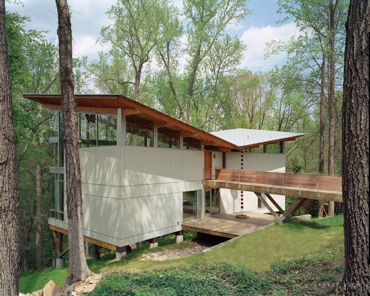 Footbridge in Raleigh, North Carolina
