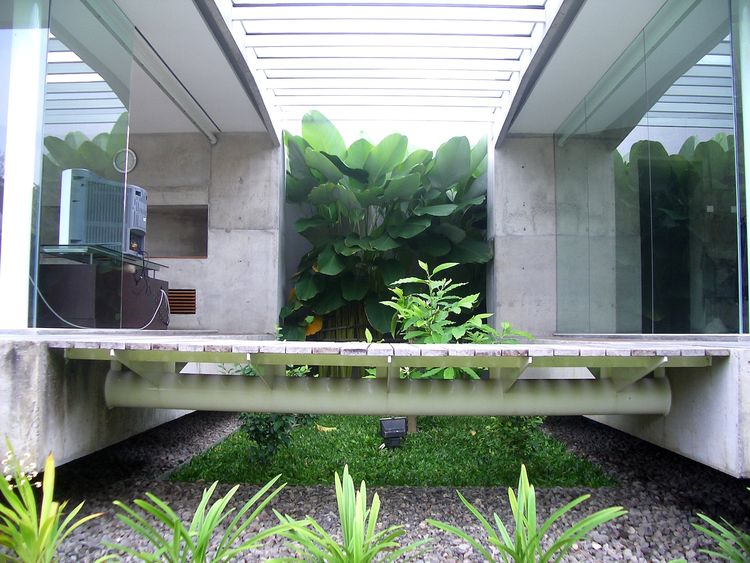 A bridge now connects the two wings of the house, old and new.