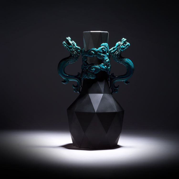 Panlong Vase. Koji pottery, rubber. Designer: Chen-Hsu Liu, Craft Maker: Shi-ren Lu.