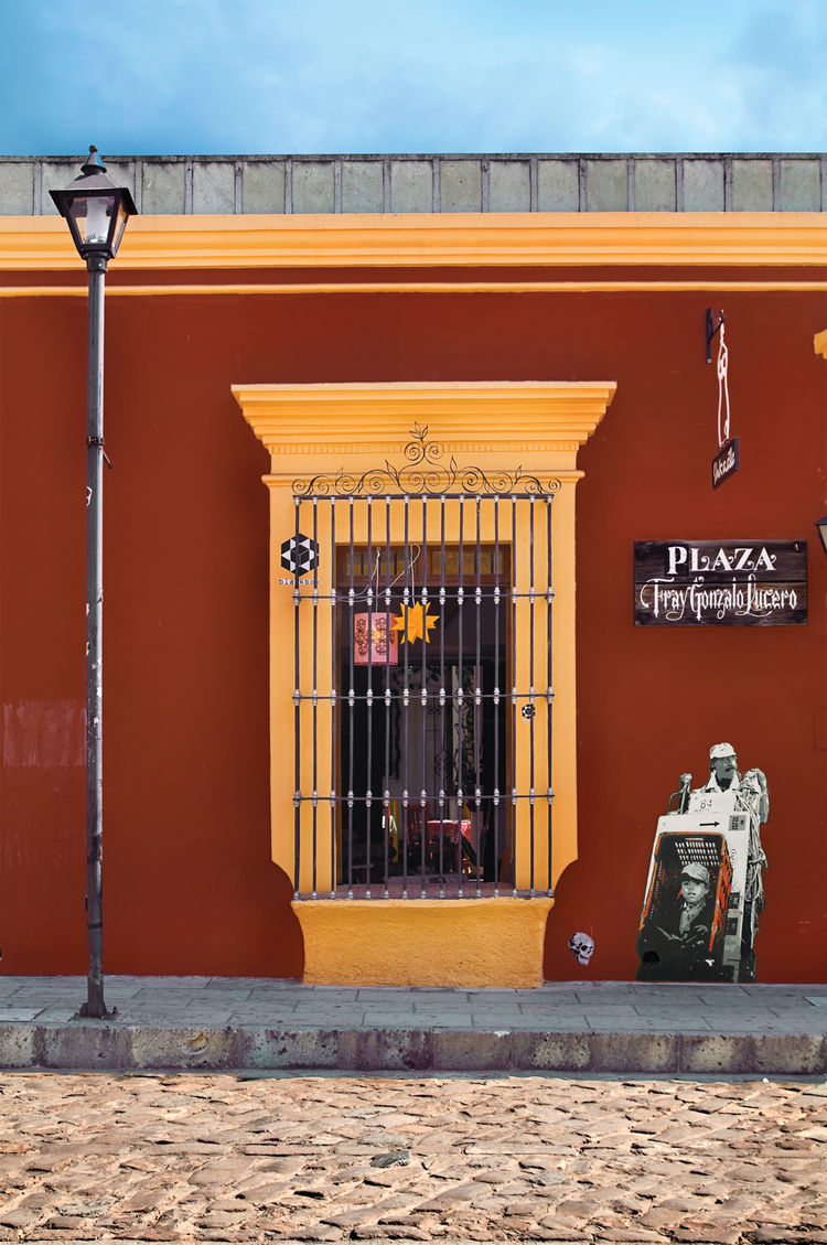 Located off a cobblestone street in downtown Oaxaca, blackbox beckons with intriguing objects in the window and street art on the outside wall.