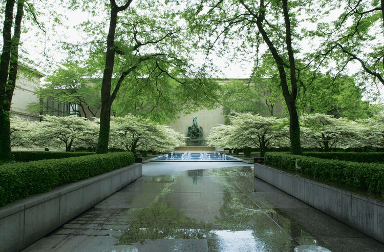 """Art Institute of Chicago garden, 1962, Chicago, IL, Dan Kiley """"Built over a garage, it's quintessential Kiley and another great response to the automobile culture. There's a central fountain, raised planters on the grid, and limited plant materials—primar"""