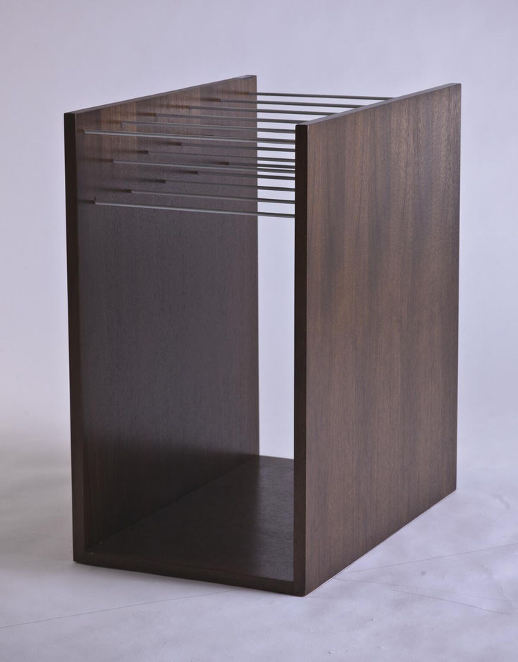Folio magazine rack.