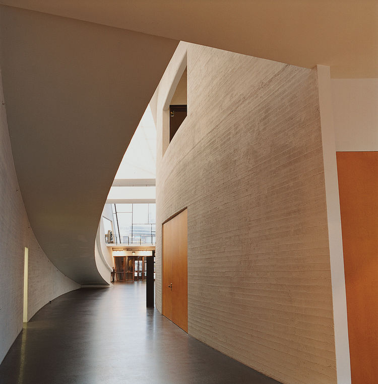 The interior of the Kiasma focuses on the use of natural light.