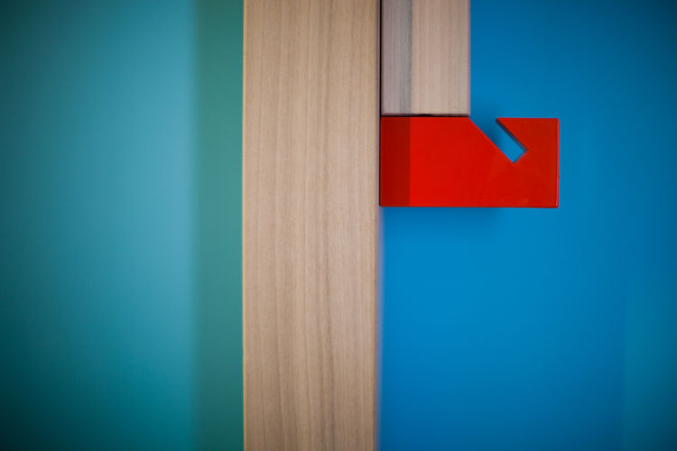 Here's a colorful detail from one of the cabins. Photo by Simon Bouisson.