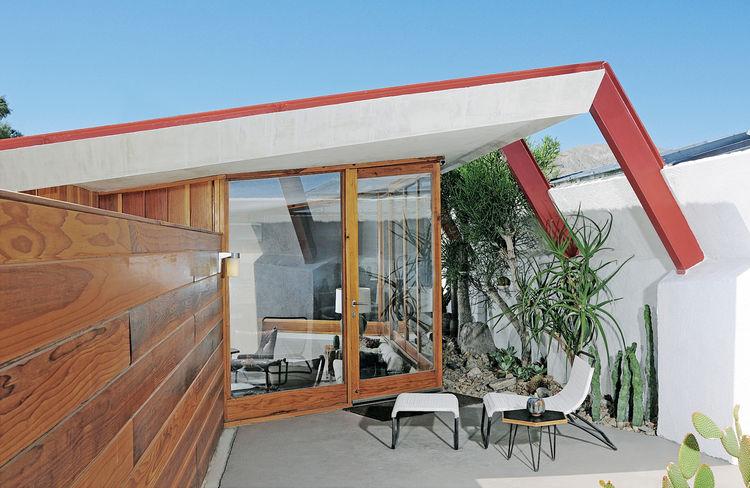 John Lautner building renovation patio