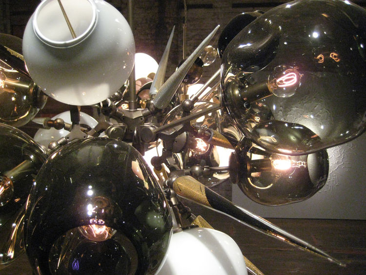 A close-up of the dramatic display by Lindsay Adelman, who is an expert user of blown-glass.