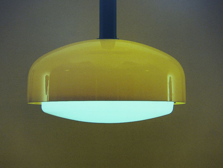 By the early 1960s the company's design aesthetic had become more refined, and in a way prefigured the space age look that was to become popular by the decade's end. Euginio Gentili Tedeschi's 4062 suspension lamp from 1962 is almost a yard in diameter, a