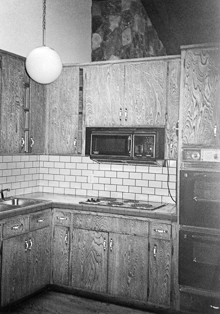 The kitchen that De Matran started with was cramped and completely outdated.