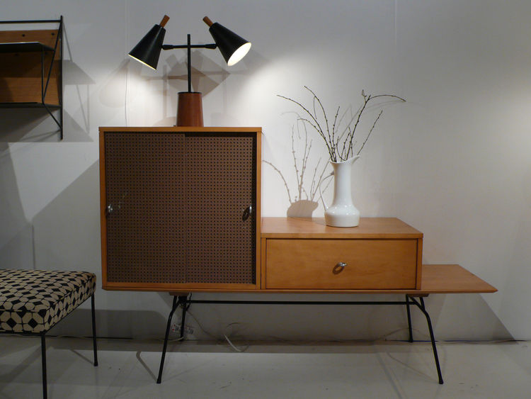"<a href=""http://www.reform-modern.com/"">Reform Gallery</a> dedicated its entire booth to industrial designer Paul McCobb's mid-century Planner Group furniture."
