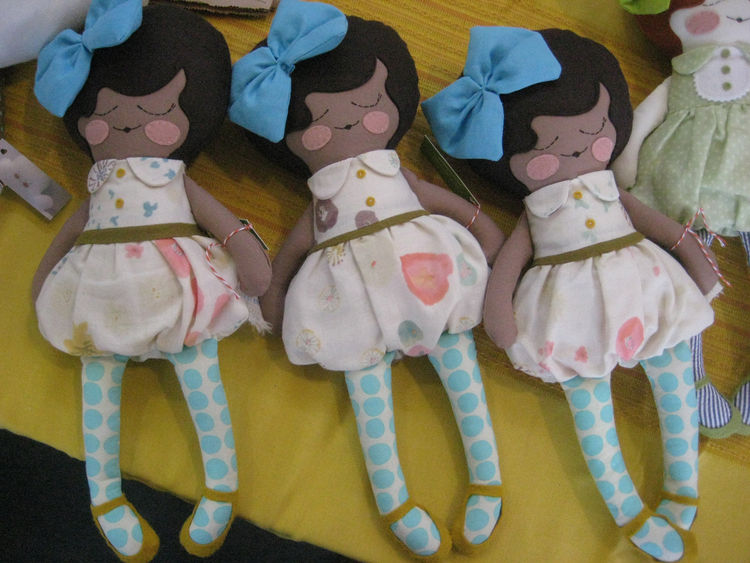"I'm not in the market for dolls these days, but I'll be damned if these plush gals from <a href=""http://www.etsy.com/shop/goodbyebluemonday"">goodbyebluemonday</a> weren't adorable."