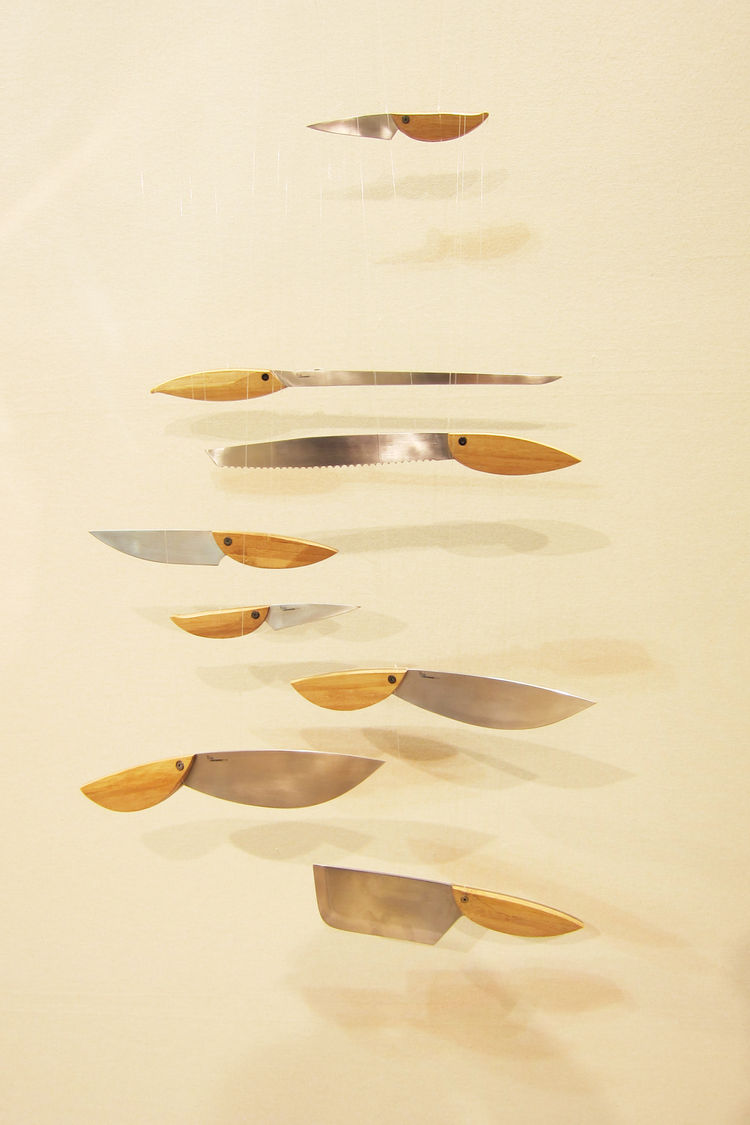 "Spanish industrial design duo <a href=""http://www.mermeladaestudio.es/"">Mermelada Studio</a> presented their foray into tableware with their Birds knives collection."