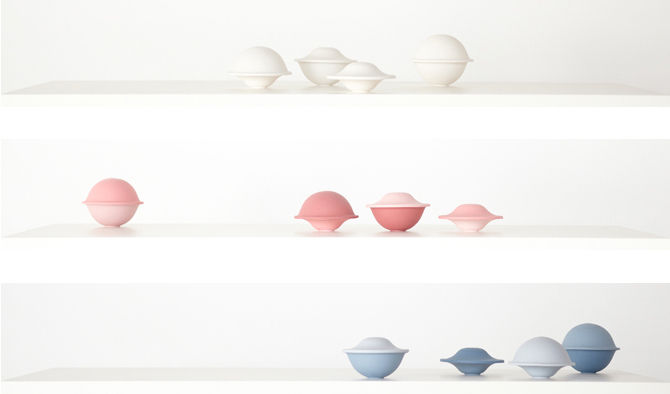 """Hamburg-based designer <a href=""""http://www.miliaseyppel.com"""">Milia Seyppel</a> presented Chapeau, her set of porcelain bowls of two sizes with interchangeable tops."""