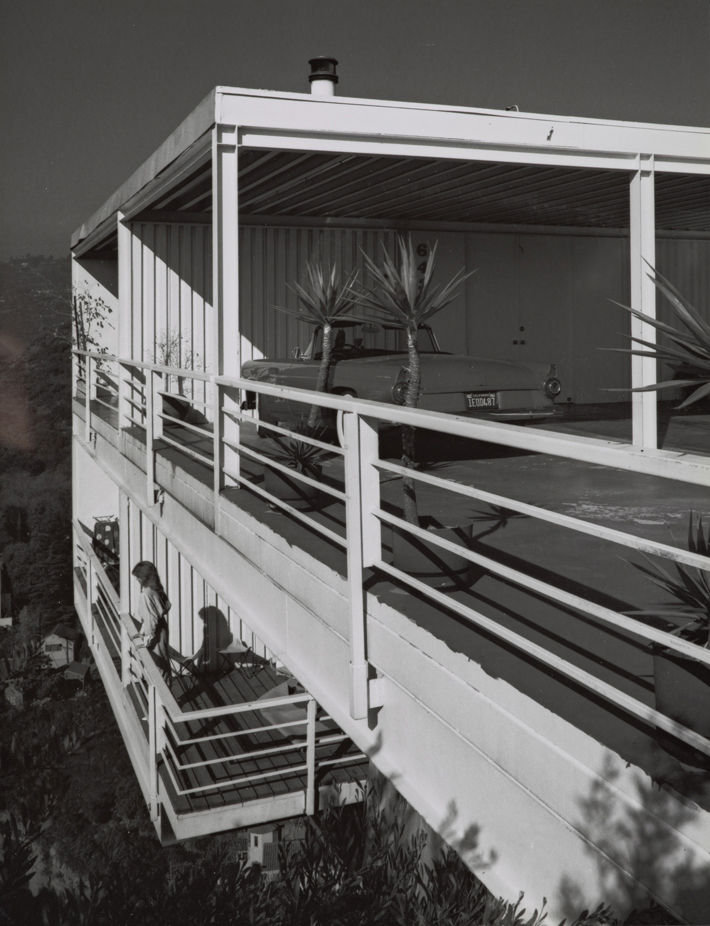 Pierre Koenig's Gantert House was finished in 1981 and photographed by Shulman in 1986, around the time he attempted to retire. Situated above the Hollywood Hills on a lot originally deemed too steep to build on, the steel-and-glass case study–style house