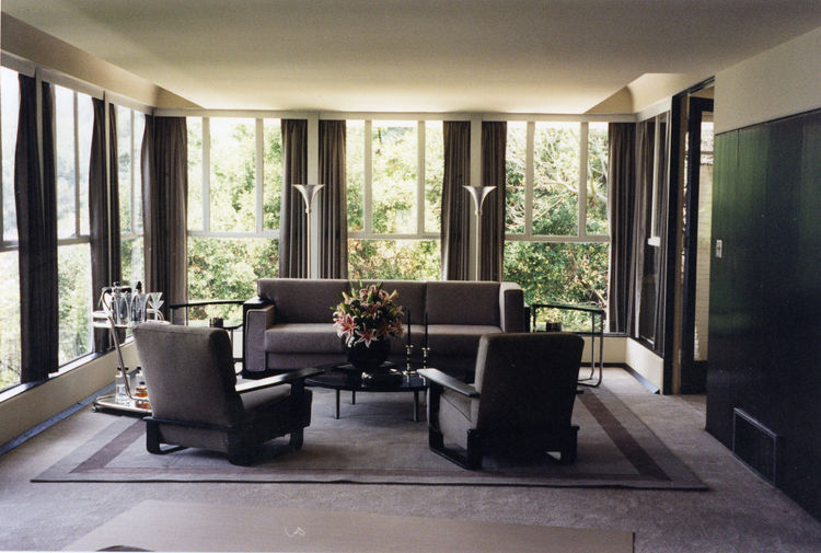 In the 1997 film <em>L.A. Confidential</em>, production designer Jeannine Oppewall selected a 1929 Richard Neutra–designed residence in Los Feliz as Pierce Patchett's home. She and set decorator Jay Hart were nominated for an Academy Award for their work.