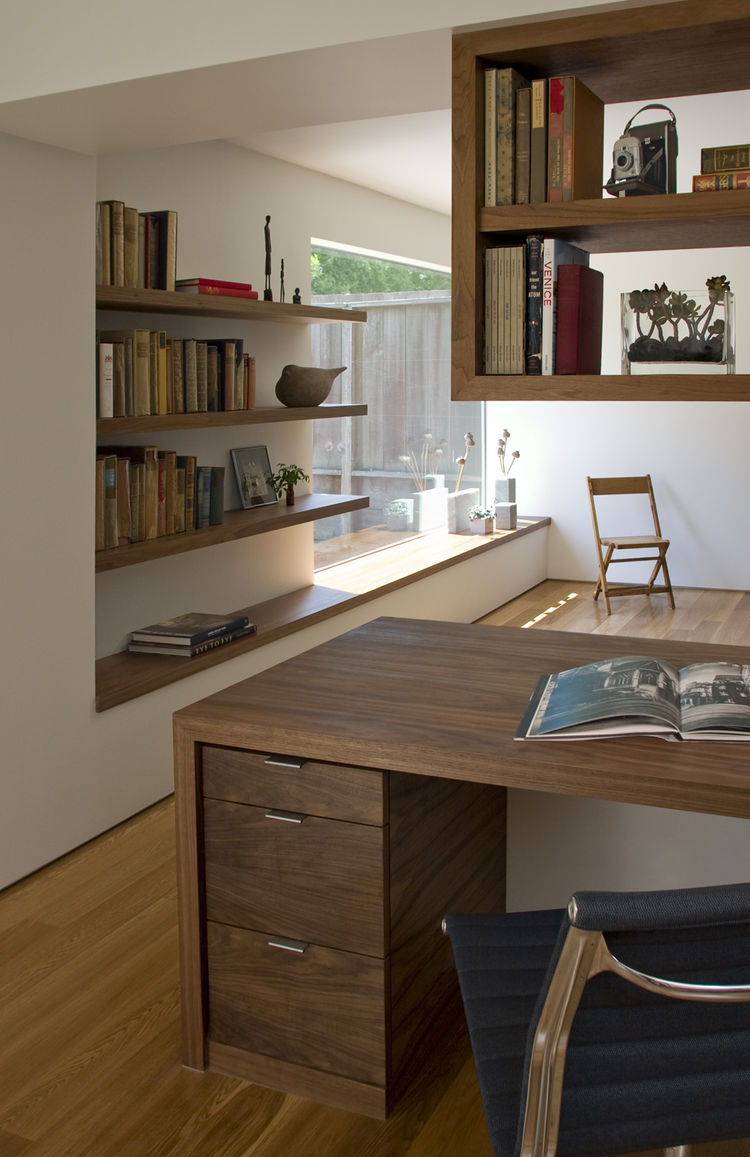 "Before founding atelier KS in the fall of 2008, Franz and Pare-Mayer both worked for accomplished San Francisco architects: Franz for <a href=""http://www.cbstudio.com/"">Cary Bernstein</a> and Pare-Mayer for <a href=""http://craigsteely.com/"">Craig Steely</"