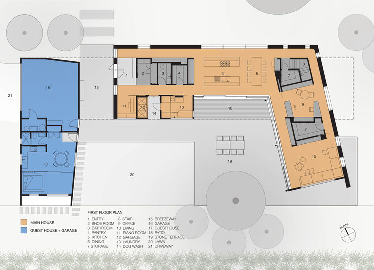 The first floor's plan. The main residence is in orange and a guesthouse/studio is in blue.
