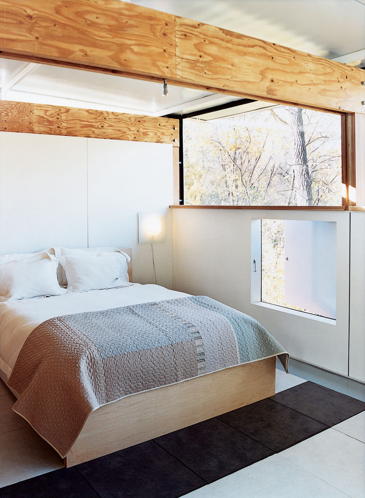 Contemporary bedroom design ideas in a prefabricated house